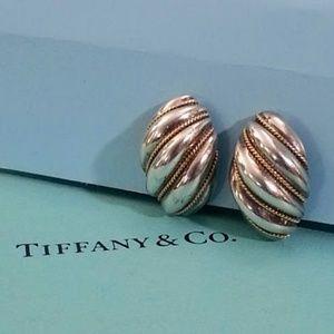 Tiffany & Co pierced shrimp earrings 18KT gold/925